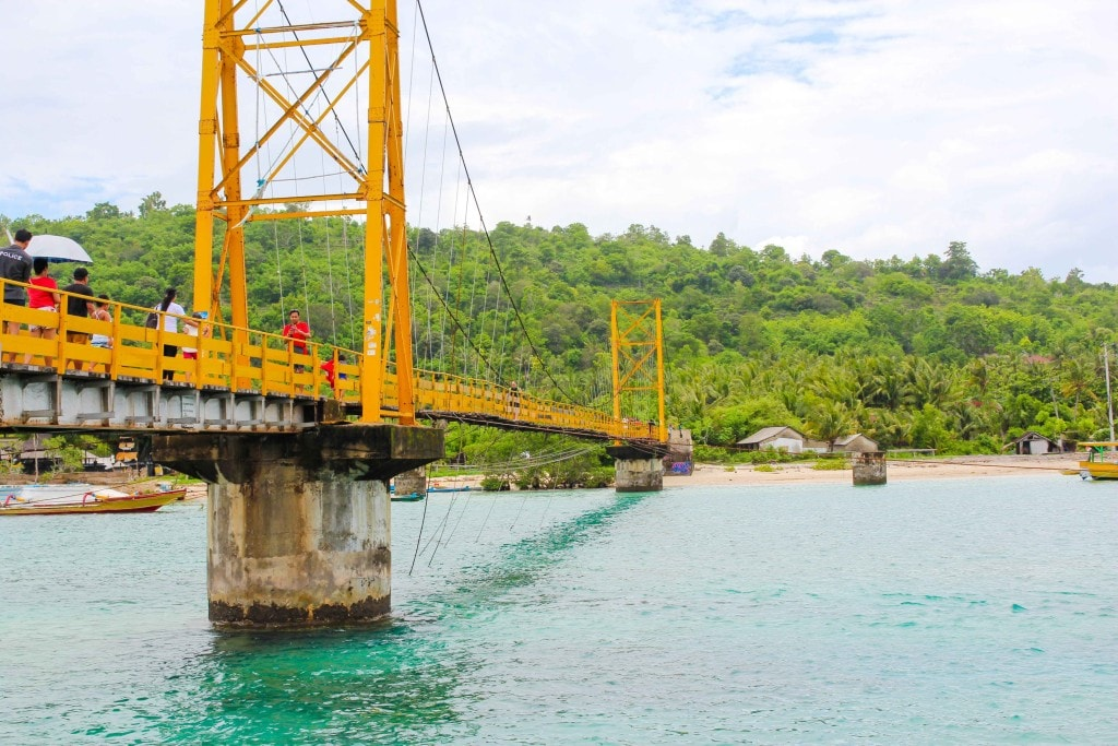 Nusa Yellow Bridge